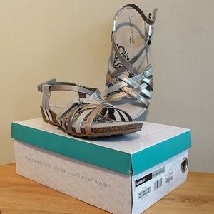NIB Aetrex sandalistas Joy metallic leather sandal